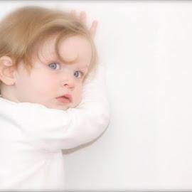 Laure by Luc Coppens - Babies & Children Child Portraits