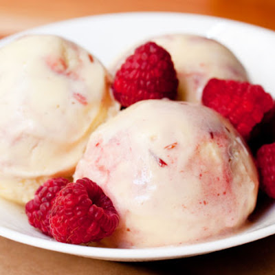 Ginger-Raspberry Swirl Ice Cream