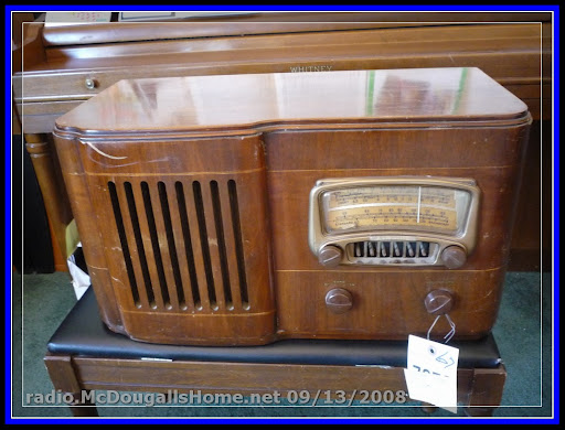 Click the picture to see more of this Montgomery Ward Airline Radio