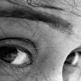 Eye explaing by Anindya Bhattacharjee - People Body Parts ( eyelashes, pinki, eye, eyes )