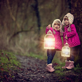 Catching Faeries by Claire Conybeare - Chinchilla Photography - Babies & Children Toddlers