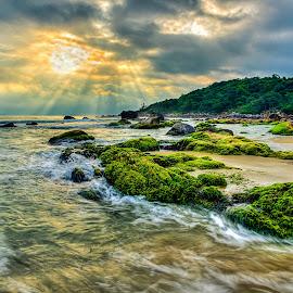 by TBone Lê - Landscapes Beaches ( đà nẵng, ray, seascape, nikon )