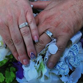Bride & Groom Wedding Rings by Jane Rodrigues - Wedding Details ( symbol of love, diamonds, wedding bouquet, rings, wedding rings, white gold, bride, groom,  )
