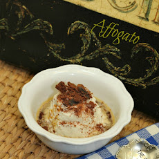 Affogato – Vanilla Ice Cream with Espresso and Chocolate Hazelnut Biscotti Crumbs
