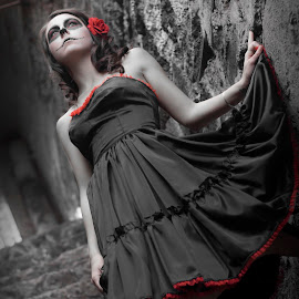 Los Muertos by Ryan Smiley - People Fashion ( dayofthedead losmuertis beautiful goirgeous girl dress black stairs dark blackandwhite color ca california losangeles la rksmiley )