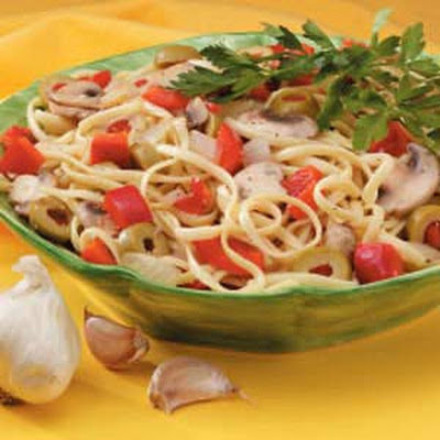 Olive and Red Pepper Linguine