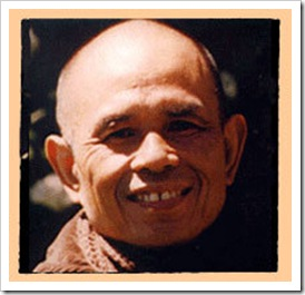 thich_nhat_hanh_smiling_3