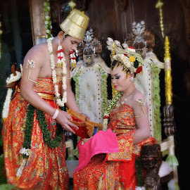 TRADISIONAL WEDDING by Preman'agung Photo'work - Wedding Reception