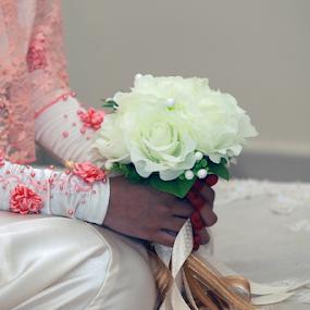 Waiting by Iz Fotografi Art Works - Wedding Details ( melayu, waiting, izfotografi, malay, iz fotografi, malaysia, flower )