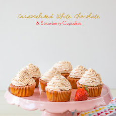 Caramelised White Chocolate & Strawberry Cupcakes
