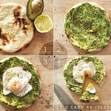 Avo + Egg Brakfast Pizza