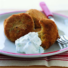 Crispy Falafel with Yogurt Dip