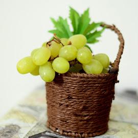 Grapes by Ala'a Al Najjar Darkoush - Food & Drink Fruits & Vegetables ( fruit, grapes )