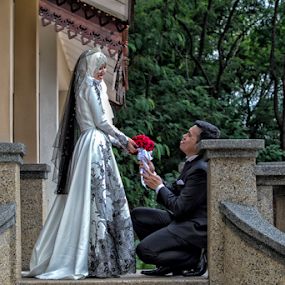 Marry Me by Iz Fotografi Art Works - Wedding Bride & Groom ( melayu, kawin, malay groom, malay, nikah, iz fotografi, malay bride, malaysia, tunizmir, izmir )