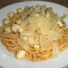 Scampi-Style Scallops Over Linguine