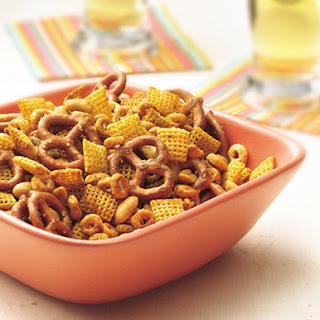 Cheerios Nuts and Bolts Snack Mix