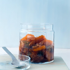 Peach-Ginger Chutney with Golden Raisins