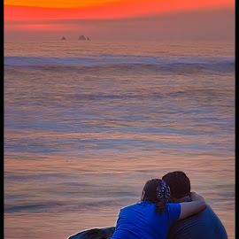 Bye bye summer by Fico Stein Montagne - People Couples ( pareja, sunset, romantico, sea, playa, atardecer, mar, couple, beach, romance, nikon d7000,  )