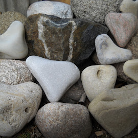 by Emilie Walson - Nature Up Close Rock & Stone ( smooth, multi colors, various sizes, heart shapes, collection )