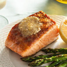 Grilled Salmon with Lemon-Pepper Compound Butter Recipe