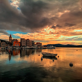 Zloselo by Branko Meic-Sidic - Landscapes Waterscapes ( hdr, waterscape, sunset, boats, croatia, sea, dalmatia, waterfront, pirovac )