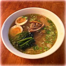 家でラーメン by Bill (THECREOS) Davis - Food & Drink Plated Food ( ramen, noodles, food, japanese, egg, soup )