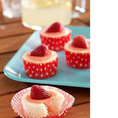 Light Strawberry Lemonade Cupcakes