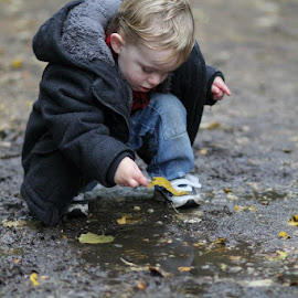 Playing in the puddles.I love this (and it's SOOC, yeah!!) by Jess Glass - People Street & Candids