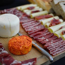 Servido? by Tacito Alexandro - Food & Drink Meats & Cheeses ( tabuadefrios,  )
