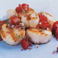 Grilled Scallops with Tomato-Onion Relish
