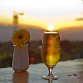 Sundip by Andro Zeledón - Food & Drink Alcohol & Drinks ( beer, sunset, view, landscape, flower )
