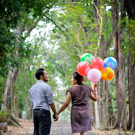 ayo main sayang by Andy Alexandy - People Couples ( love, woman, forest, couple, men )