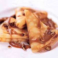 Crispy Crepes with Dulce de Leche Sauce