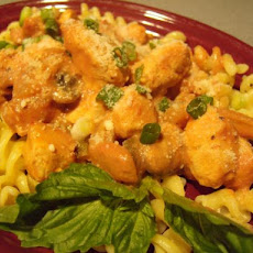 Italian Gigi Sauce With Chicken and Pasta