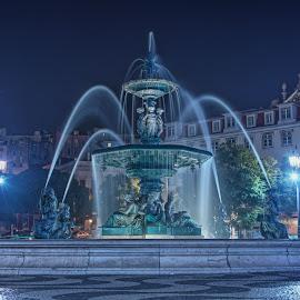 Fonte norte da Praça D. Pedro IV by Luís Antunes - Buildings & Architecture Statues & Monuments