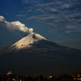 Snowy and smoking volcano by Cristobal Garciaferro Rubio - Landscapes Mountains & Hills ( popocataepetl, popo, mexico )