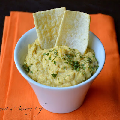 Garlic and Parsley Hummus {No Tahini Necessary}