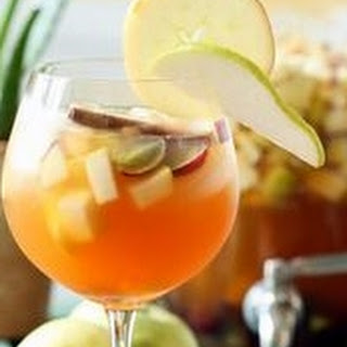 Golden Apple Pie Sangria