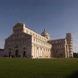 Pisa Cathedral with the Leaning Tower of Pisa by Dražen Komadina - Buildings & Architecture Places of Worship ( toscana, pisa cathedral, pisa, the piazza dei miracoli, italy, the leaning tower of pisa )