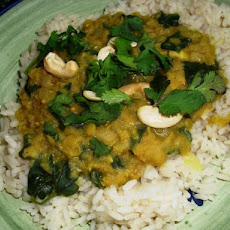 Coconut Red Lentils With Spinach, Cashews & Lime (Vegan)