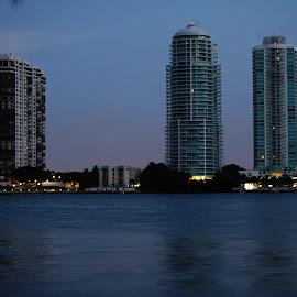 by Alison Maschmeier - Buildings & Architecture Office Buildings & Hotels