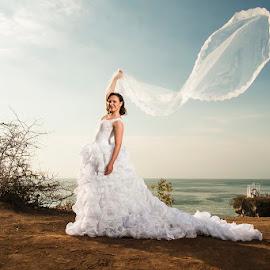 I'm Happy by Amin Basyir Supatra - Wedding Bride ( love, bali, blue sky, prewedding, happy, wedding, beautiful, action, white, beauty, smile, bride )