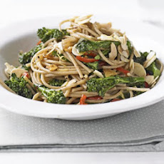 Wholewheat Pasta With Broccoli & Almonds