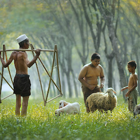 by Achepot Chepot - People Family