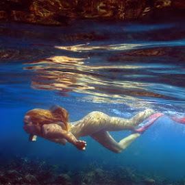 Alone with the ocean. by Dmitry Laudin - Nudes & Boudoir Artistic Nude ( girl, underwater, ocean )