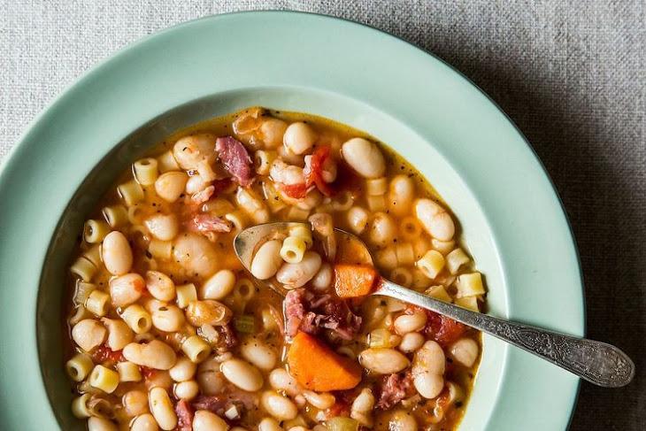 Pasta Fagioli-Hearty Bean Soup Recept | Yummly