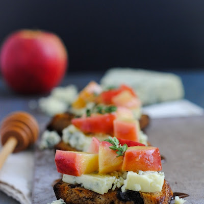 Raisin Crostini with Blue Cheese & Apples