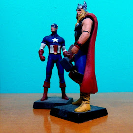 Thor e Capitão América by Vagner Bordin - Artistic Objects Toys