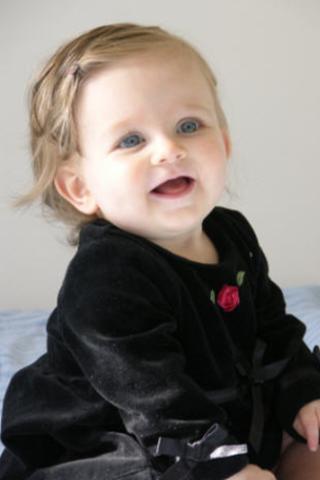 Cute little Baby Wallpaper 2