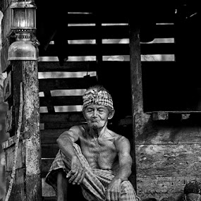 The Old Man by Eris Suhendra - Black & White Portraits & People ( old, black and white, indonesia, legend, human interest, forest, kalimantan, nikon, portraits, people,  )
